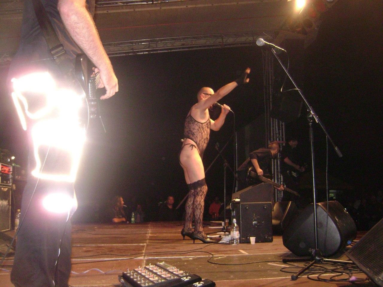 Kein Engel Rammstein Tribute izvodi pjesmu Pussy